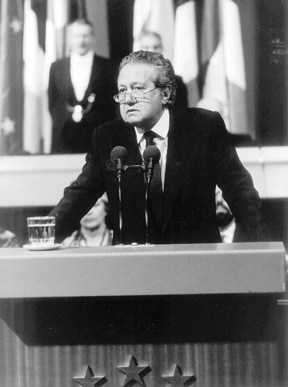 Mário Soares at the European Parliament (Strasbourg, 9 July 1986)