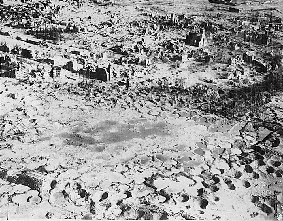 Germany in ruins (Wesel, 1945)