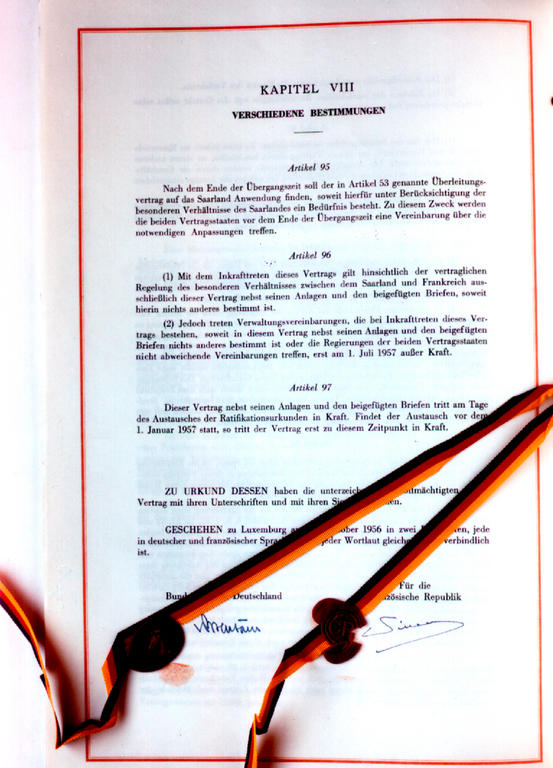 Signatures appended to the Saar Treaty (27 October 1956)