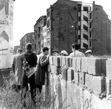 Building of the Berlin Wall