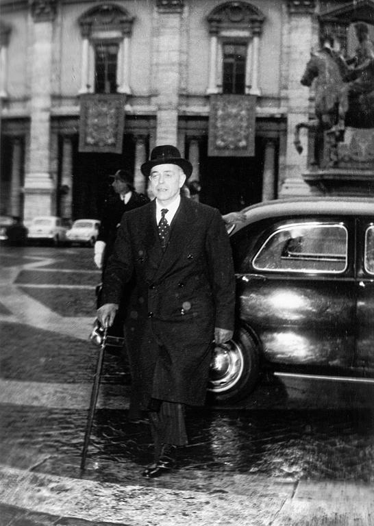 Arrival of Gaetano Martino at the Capitol (Rome, 25 March 1957)