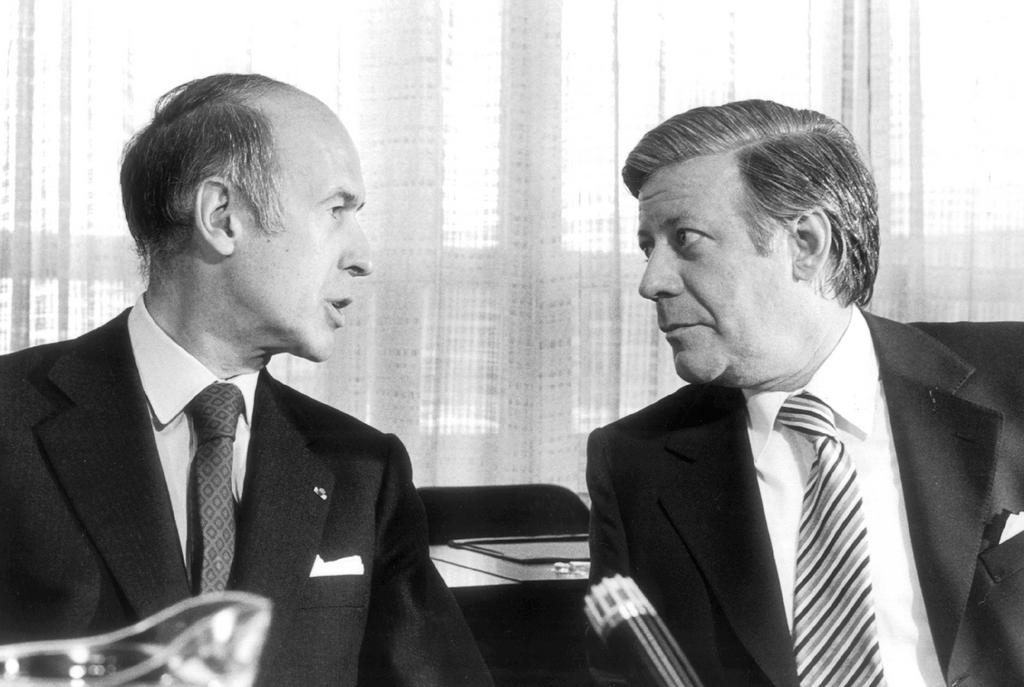 Valéry Giscard d'Estaing and Helmut Schmidt (16 July 1975)