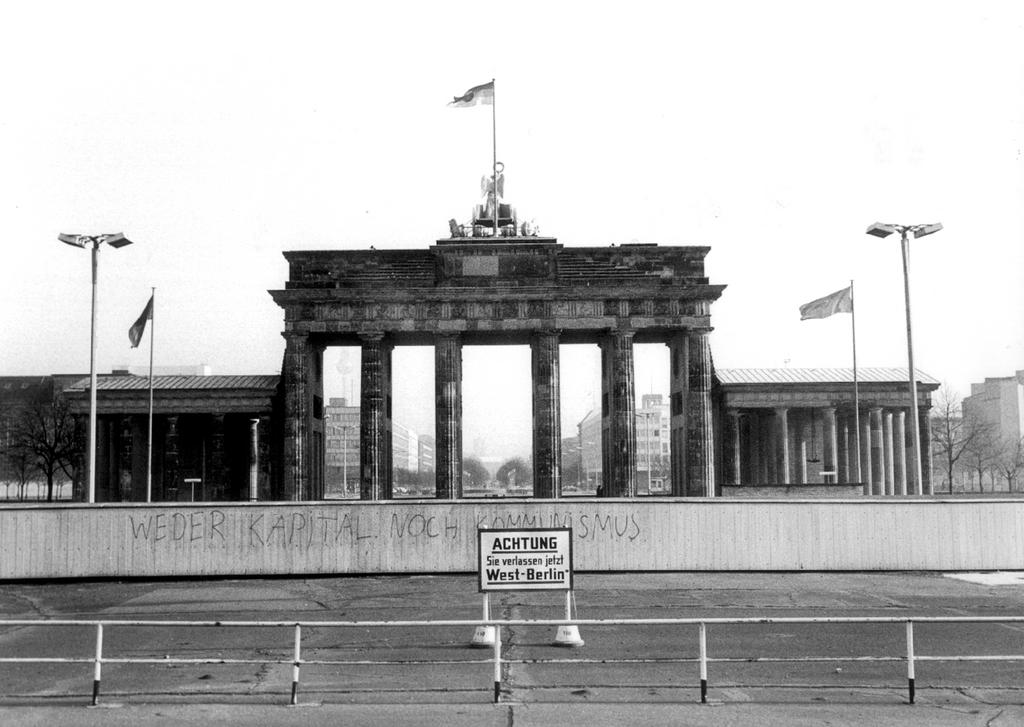 Image result for berlin wall 1961