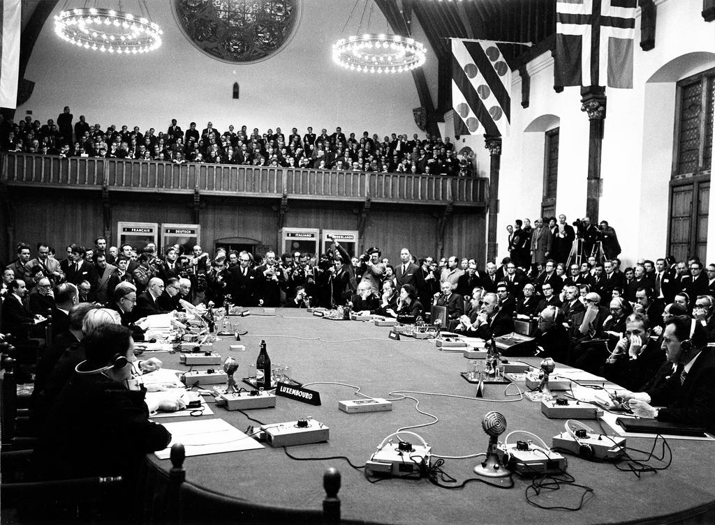 Negotiations of the Six at The Hague (1 and 2 December 1969)