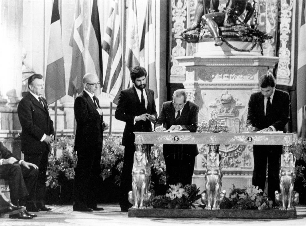 The accession of Spain to the European Communities (Madrid, 12 June 1985)