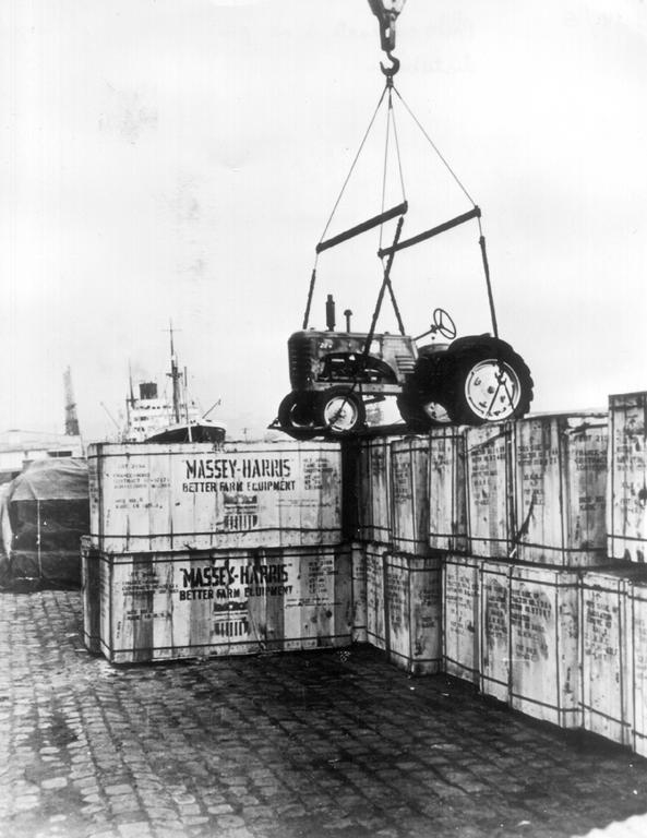 Delivery of tractors under the Marshall Plan (Le Havre, 1949)