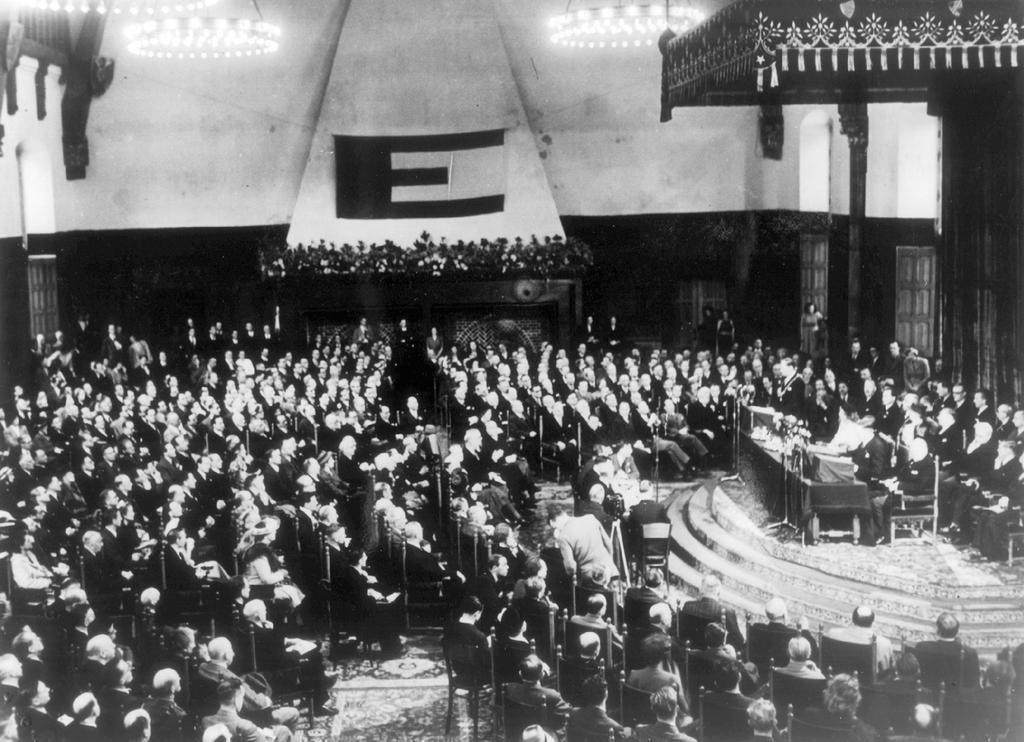 The opening of the Congress of Europe in The Hague (7 May 1948)