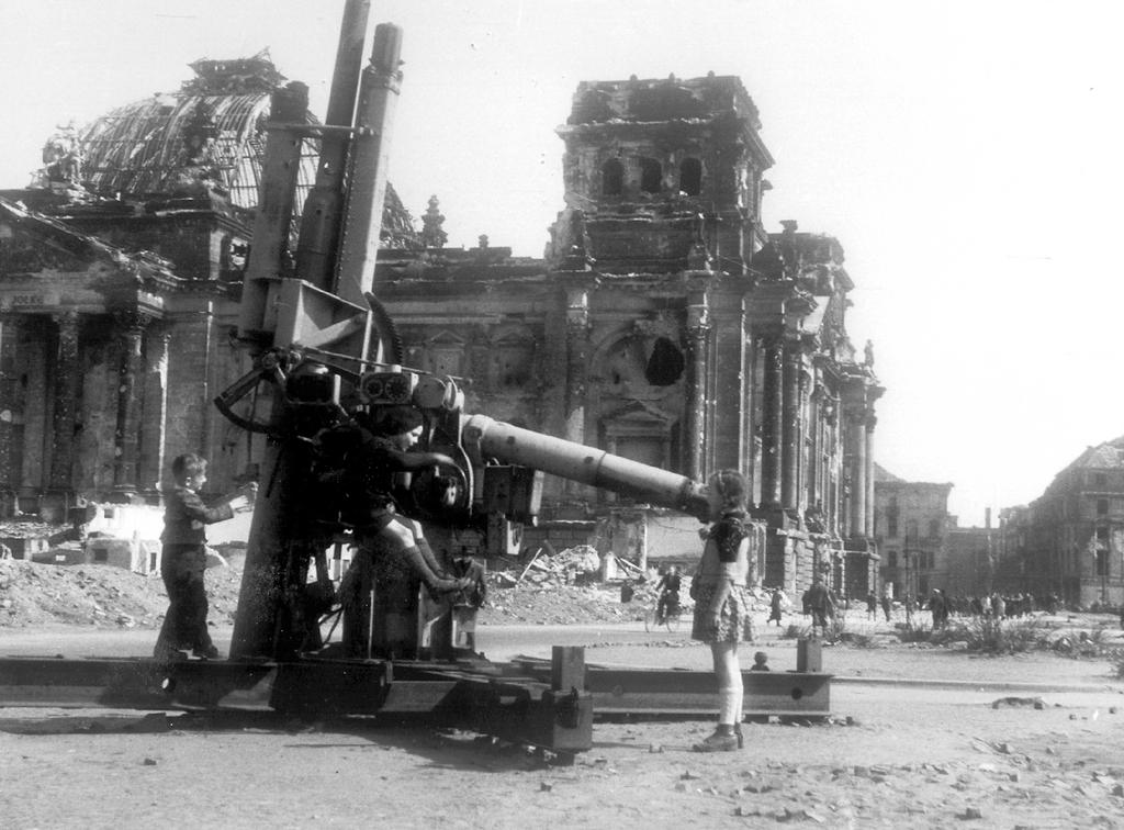 Destruction in Germany: the <i>Reichstag</i> in ruins (Berlin, 1945)