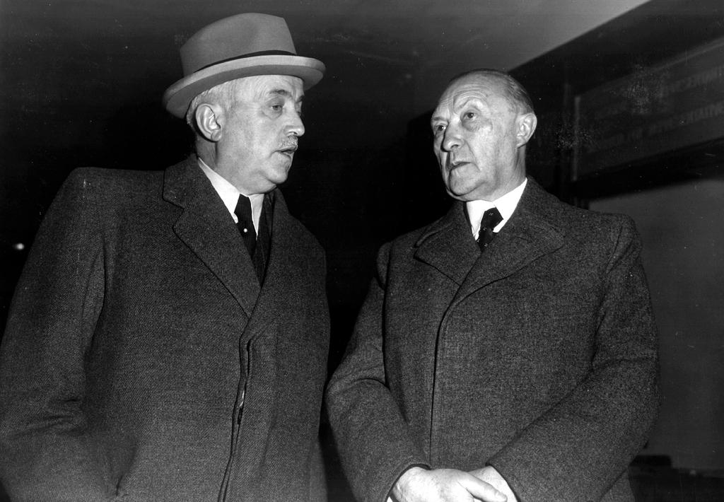 Konrad Adenauer and Hermann Puender at the first session of the ECSC Common Assembly (September 1952)