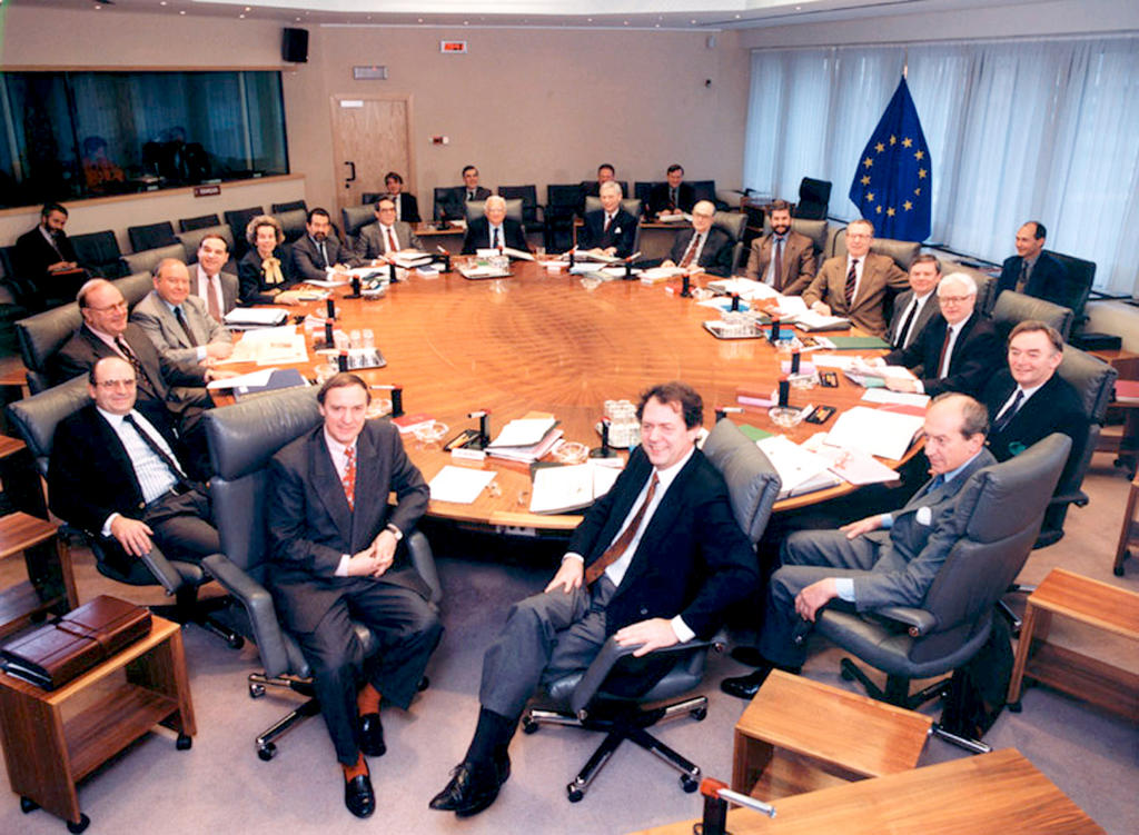 Réunion de la Commission Delors (1993)