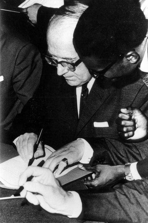 Signing of the first Yaoundé Convention (20 July 1963)
