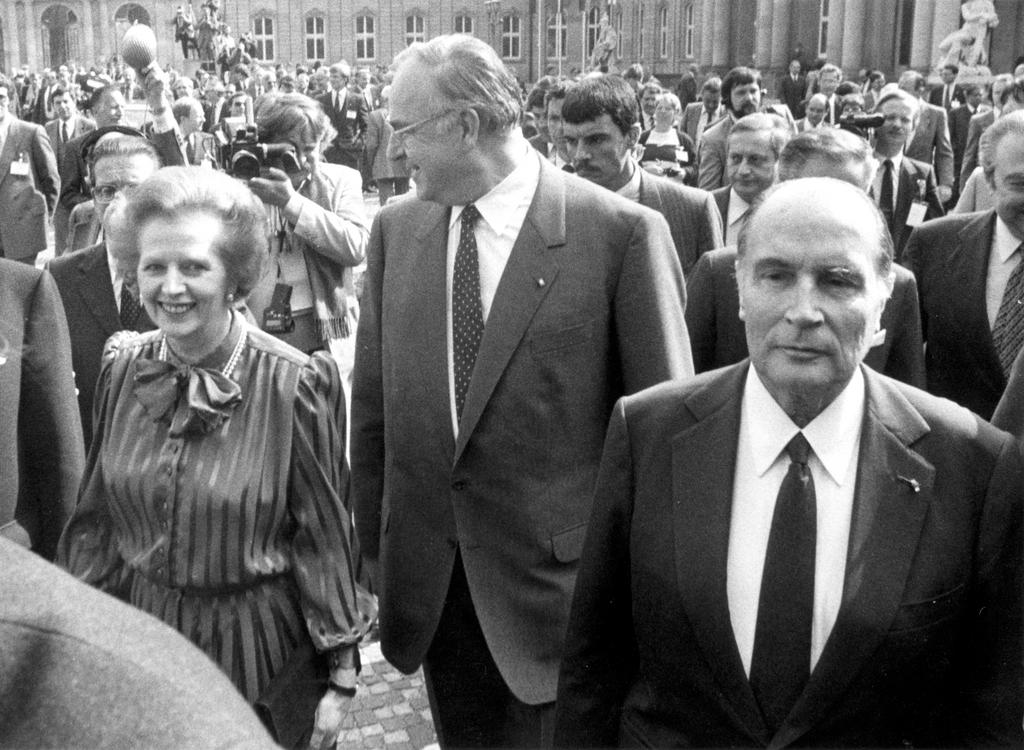 The arrival of Margaret Thatcher, Helmut Kohl and François Mitterrand at the Stuttgart European Council (17 to 19 June 1983)