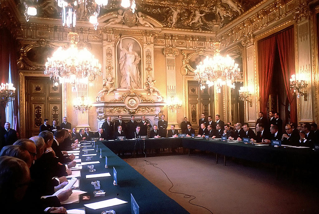 The signing of the Convention on the OECD (Paris, 14 December 1960)