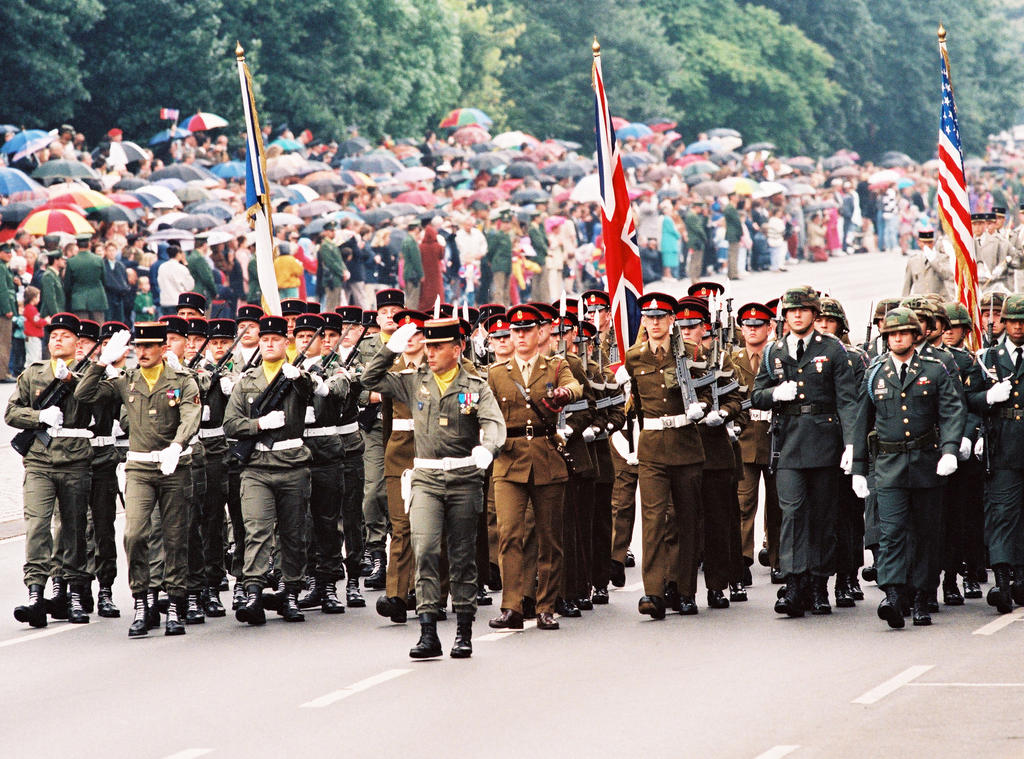 Final joint military parade in Berlin (18 June 1994)