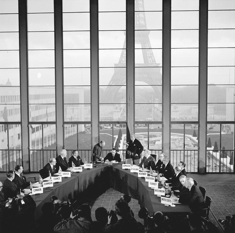 Signature des accords de Paris (23 octobre 1954)