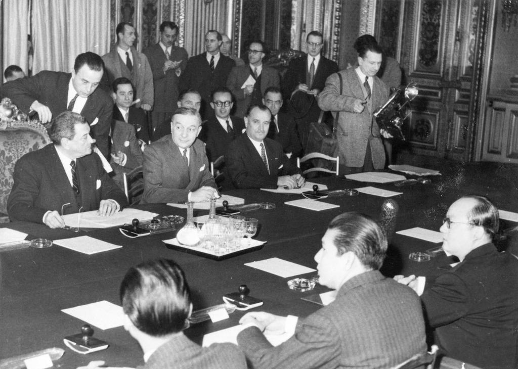 Conference between France and Vietnam (Paris, March 1946)