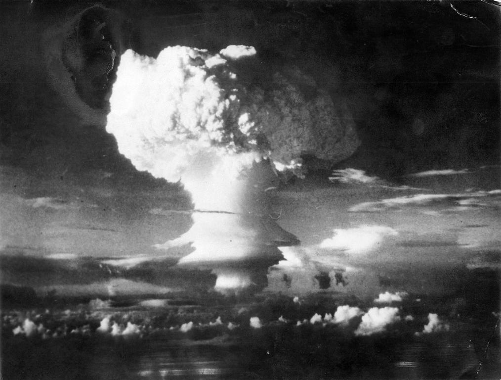 Explosion of the US H-bomb (1 November 1952)