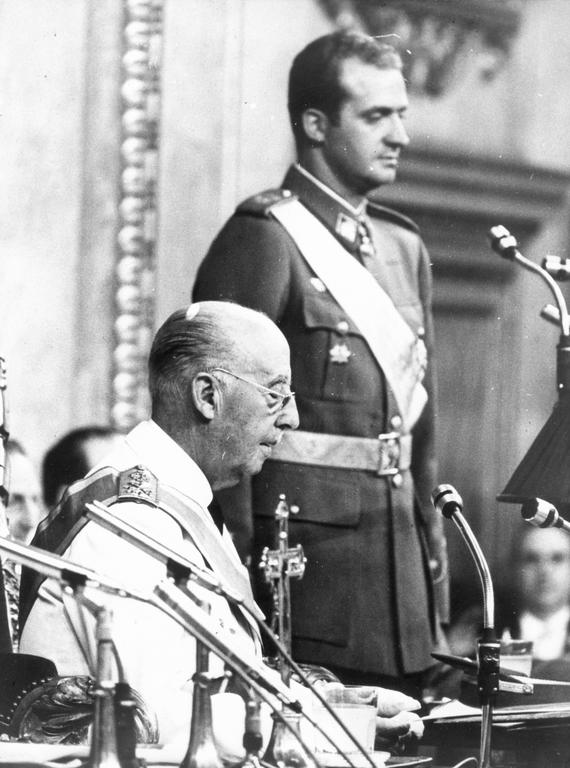Don Juan Carlos is sworn in before the <i>Cortes</i> (Madrid, 23 July 1969)