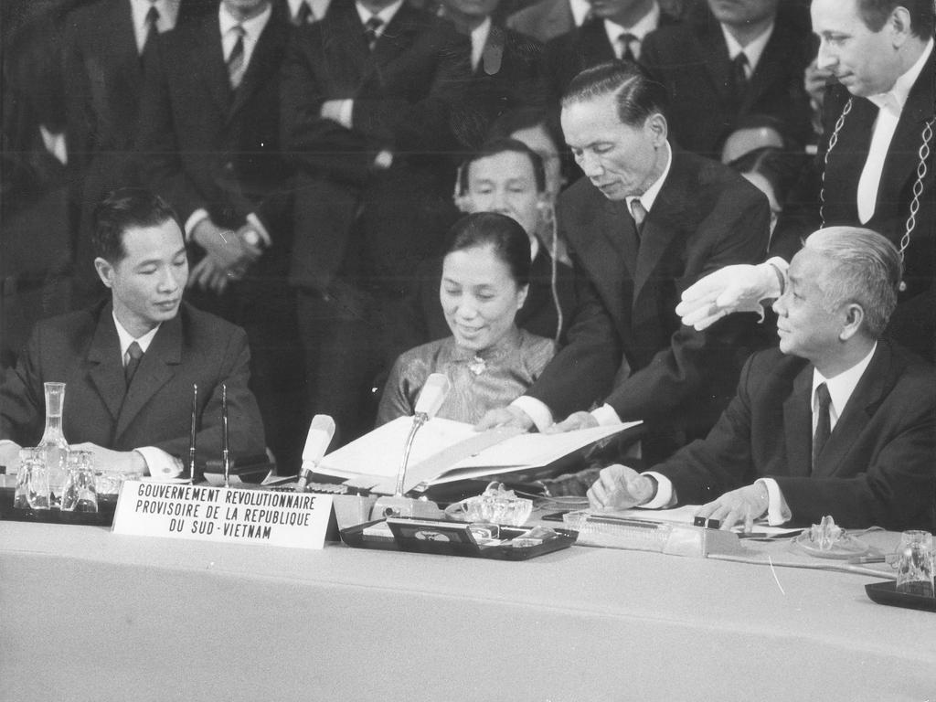 Signing of the Vietnam peace accords (Paris, 27 January 1973)