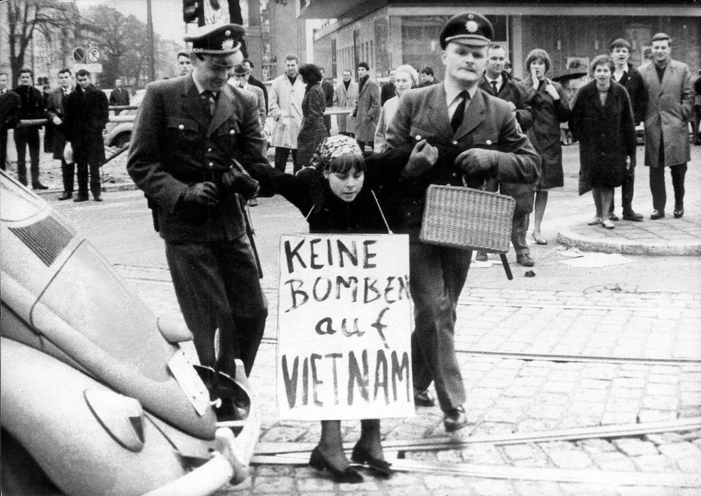 Demonstration against the Vietnam War (Frankfurt, 1965)