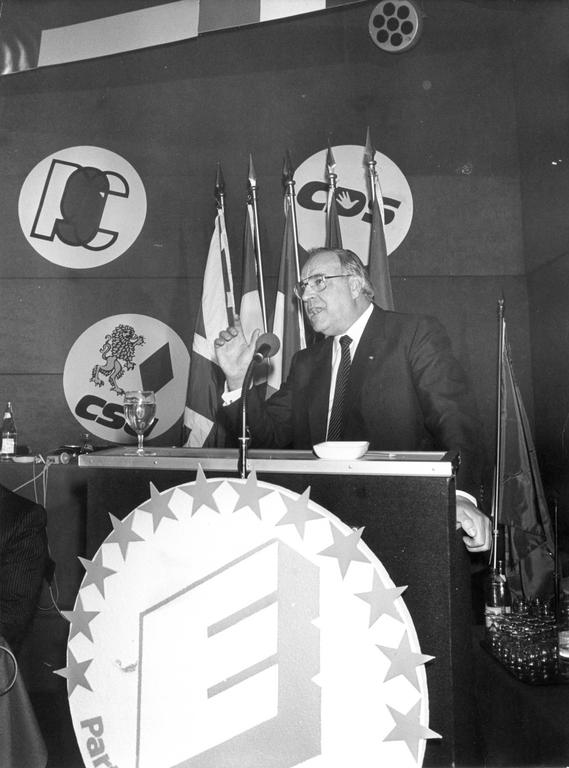 European People's Party congress (Paris, 7 December 1982)
