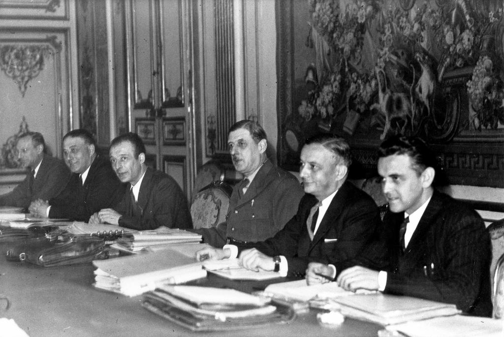 Cabinet meeting of the Provisional Government of the French Republic (2 November 1945)