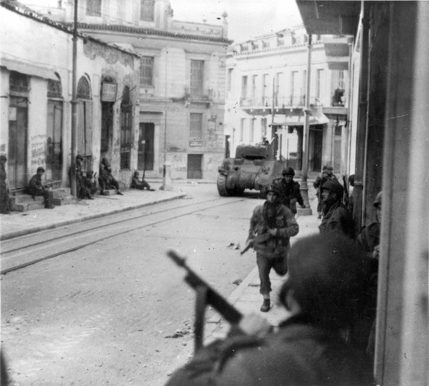 Fighting in the streets of Athens (1945)