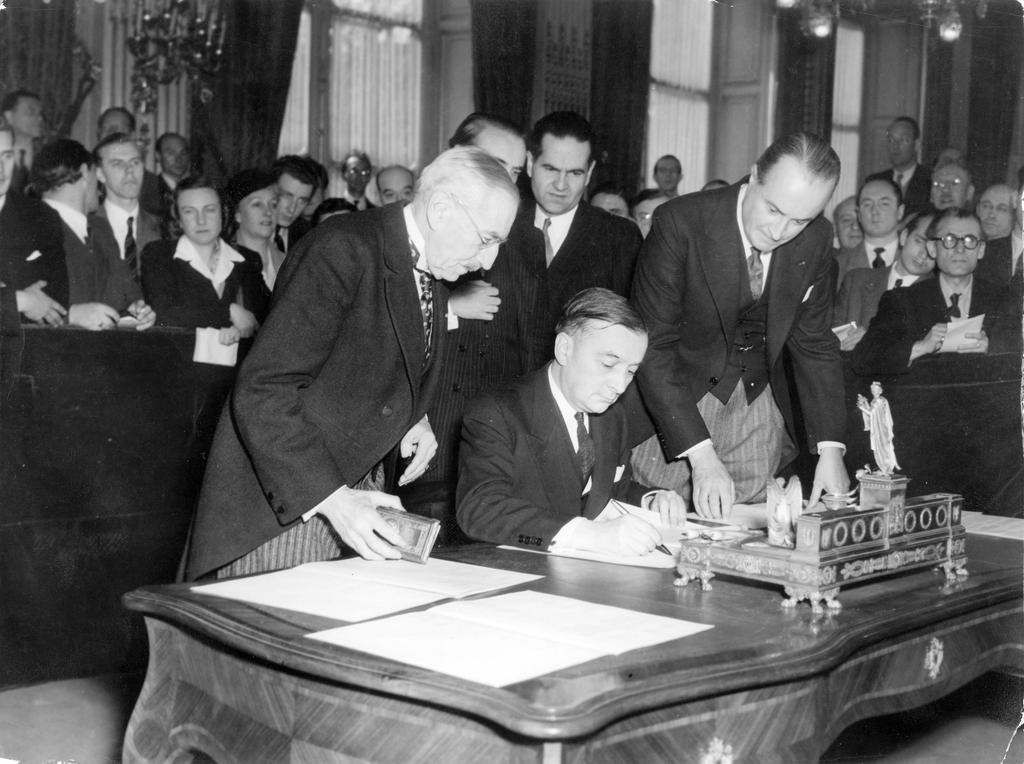 Signing of the OEEC Charter (Paris, 16 April 1948)