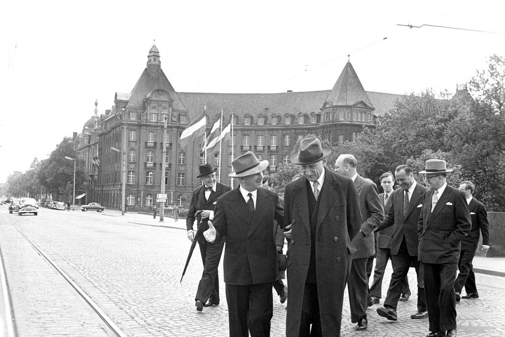 Jean Monnet and Robert Schuman outside the High Authority building (Luxembourg, 9 May 1953)