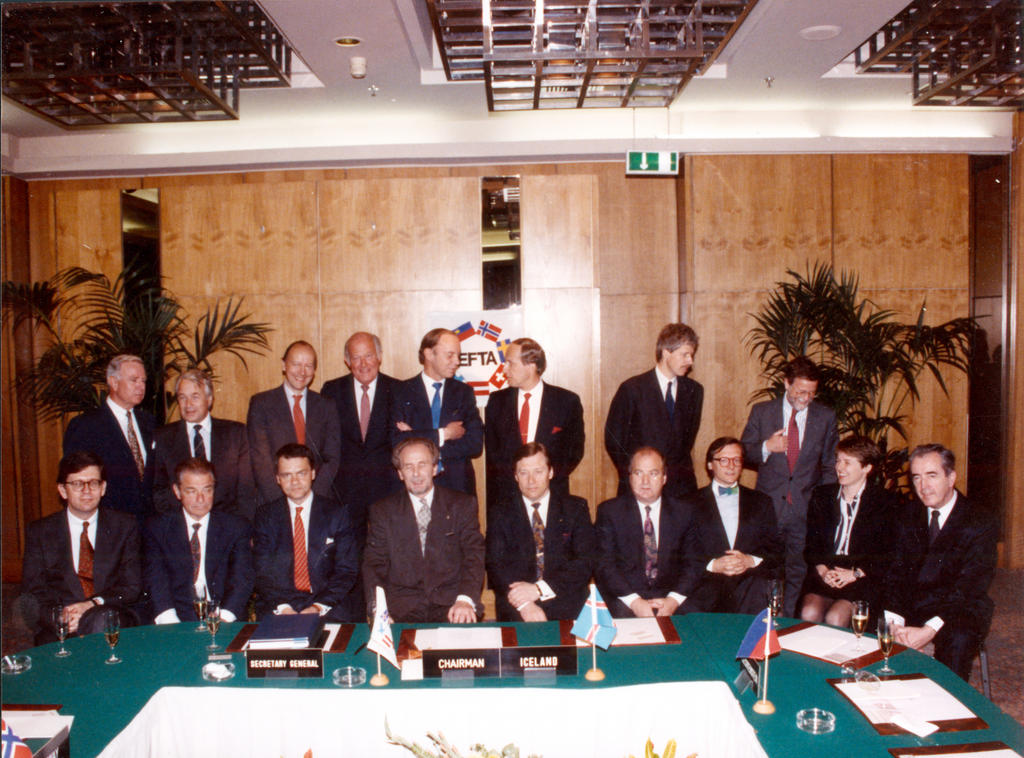 Signing of the EEA Agreement (Oporto, 2 May 1992)