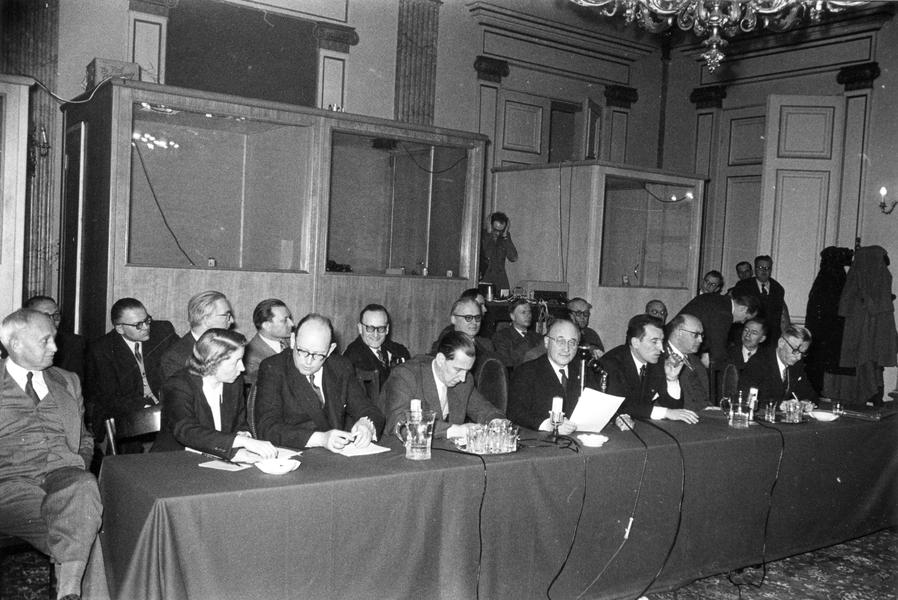 Press conference at the opening of the common market for coal (Luxembourg, 9 February 1953)