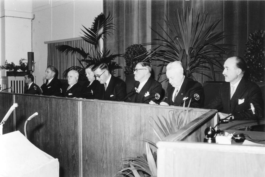 Swearing-in of the Court of Justice of the European Communities (7 October 1958)