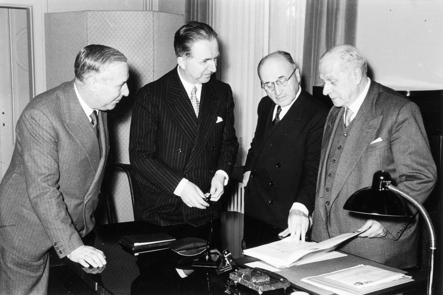 The four Presidents of the institutions of the ECSC (Luxembourg, 8 February 1955)