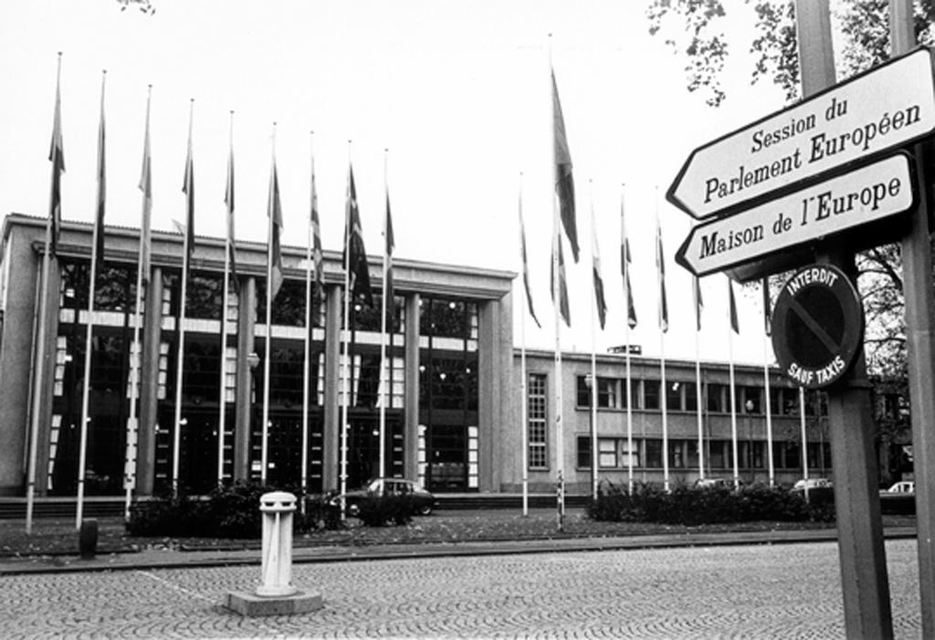 B timent de l 39 assembl e parlementaire europ enne maison for Maison de l europe rueil