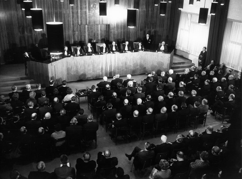 Courtroom on the Côte d'Eich (Luxembourg, 1968)
