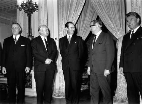 Pierre Werner, Harold Wilson, Grand Duke Jean, George Brown and Pierre Grégoire (Luxembourg, 8 March 1967)