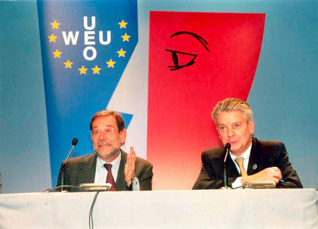 Press conference held during the meeting of the WEU Council of Ministers (Marseille, 13 November 2000)