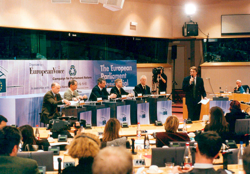 Debate between the candidates for the Presidency of the European Parliament (Brussels, 28 November 2001)