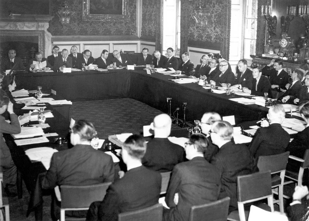 Signing of the Statute of the Council of Europe (London, 5 May 1949)