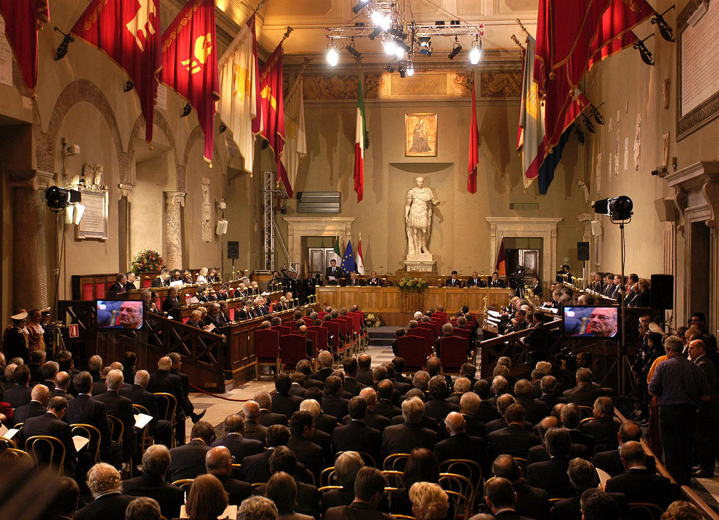 View of the Julius Caesar Hall during the ceremony for the signing of the Constitutional Treaty (Rome, 29 October 2004)
