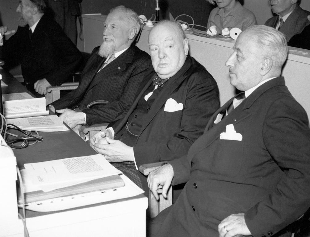 Van Cauwelaert, Churchill and Cingolani, members of the Consultative Assembly (Strasbourg, 11 August 1949)
