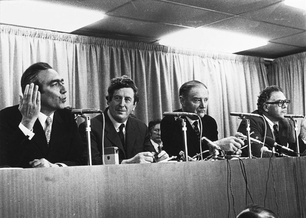 Le Sommet de Dublin par Geneviève Tabouis (RTL, 2 décembre 1975)