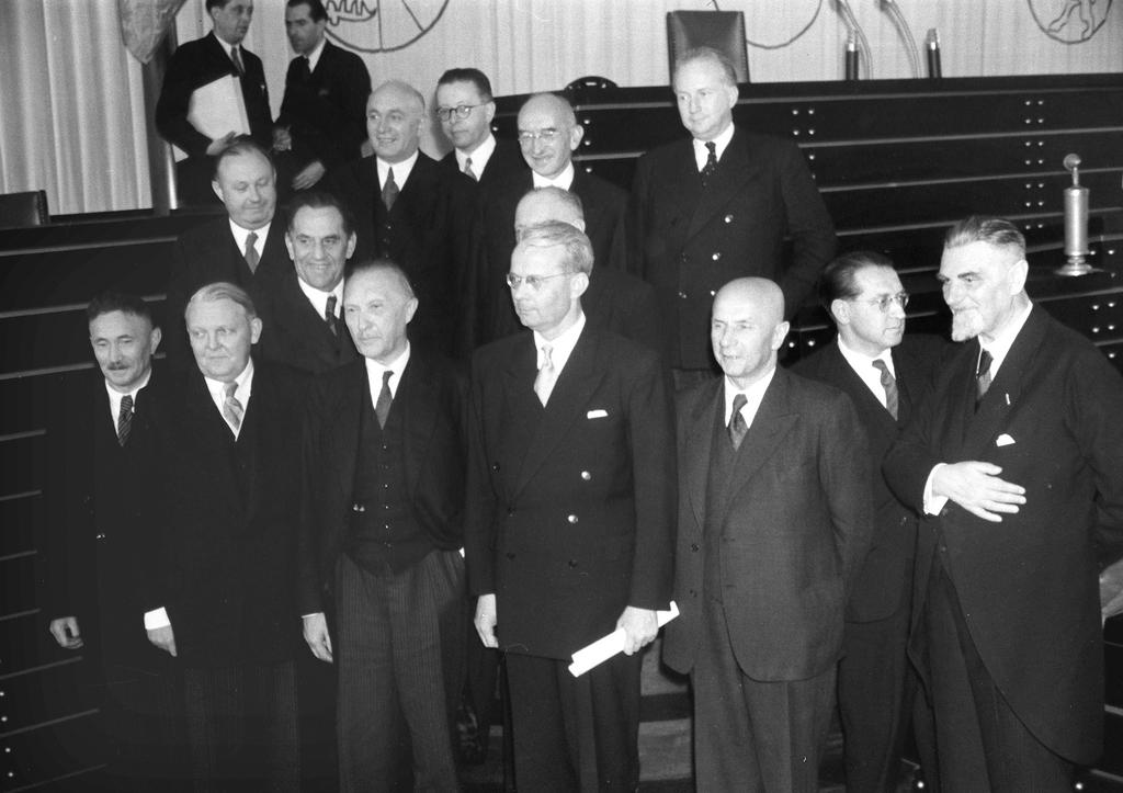 Composition of the first government of Konrad Adenauer (Bonn, 20 September 1949)