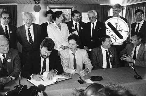 Signature de l'accord de Schengen (14 juin 1985)