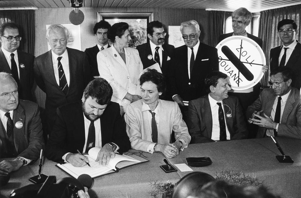Signing Of The Schengen Agreement 14 June 1985 Cvce Website