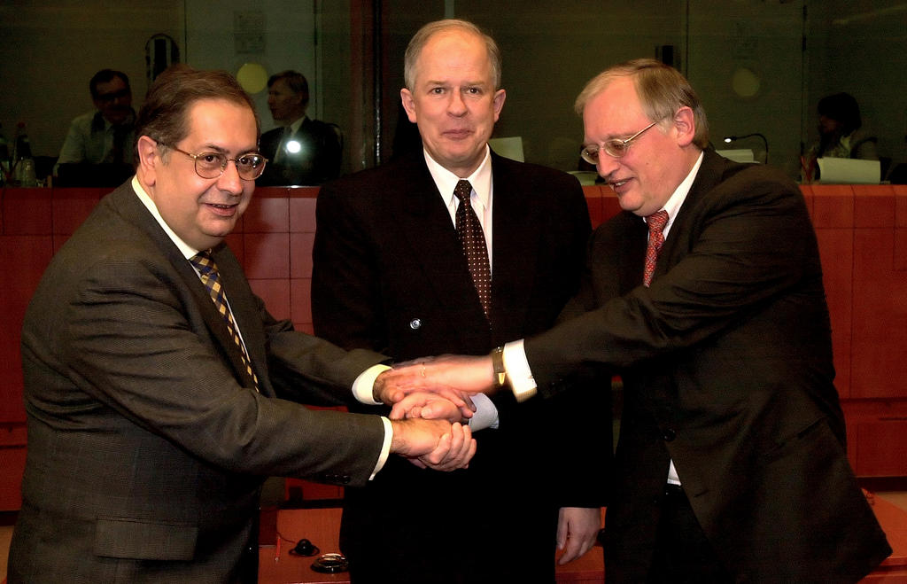 Algirdas Saudargas, Jaime Gama and Günter Verheugen (Brussels, 15 February 2000)