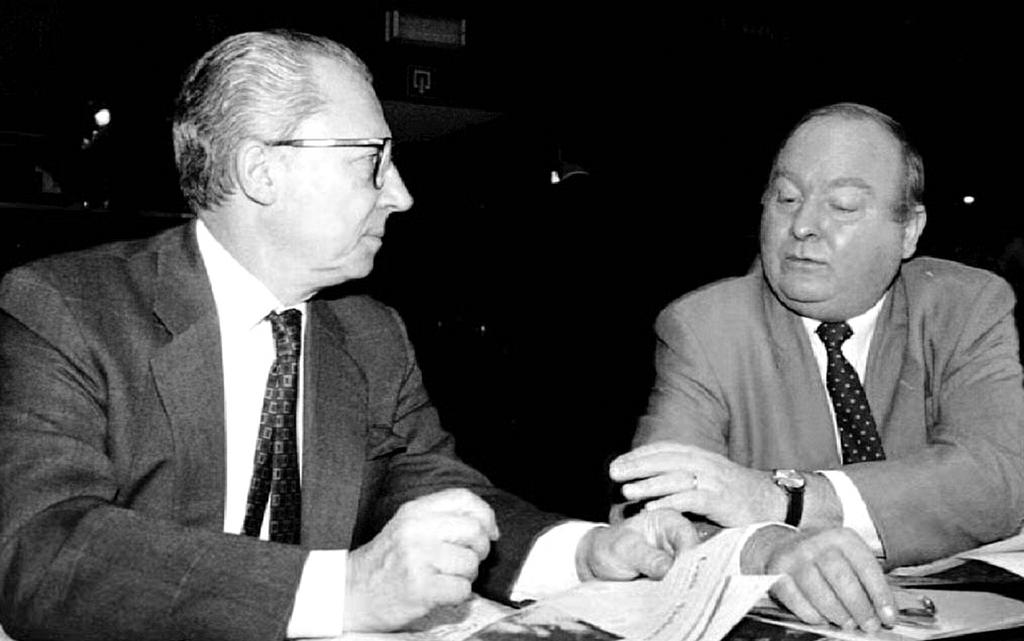 Jacques Delors and Henning Christophersen just before the ECOFIN Council (Brussels, 23 November 1992)