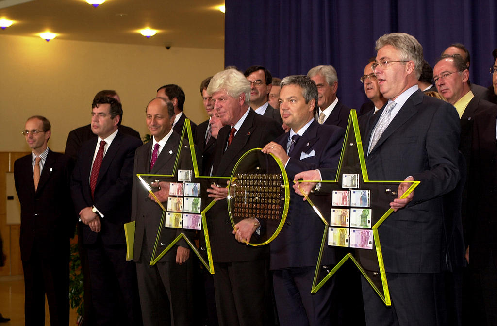 Presentation of euro coins and banknotes (Liège, 21 September 2001)