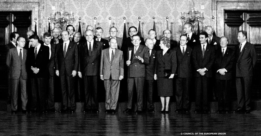 Group photo of the Rome European Council (27 and 28 October 1990)