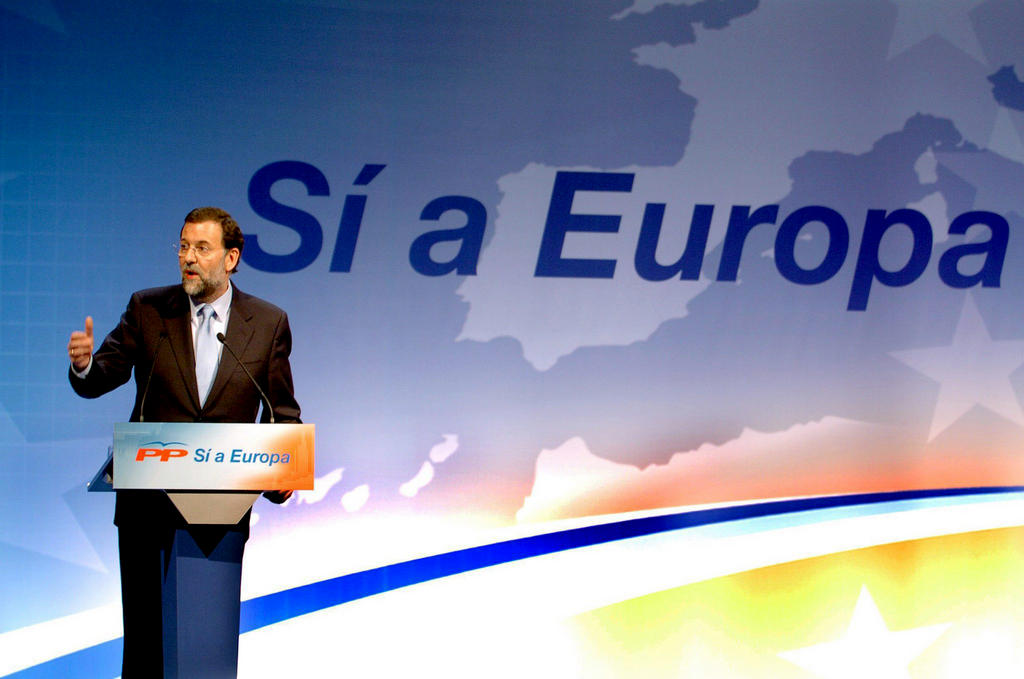 Mariano Rajoy announcing his support for the 'Yes' vote (Madrid, 18 February 2005)